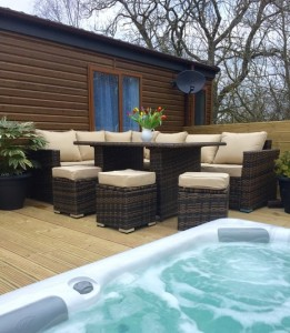 hot tub and furniture WL