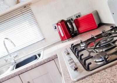 retreat kitchen1